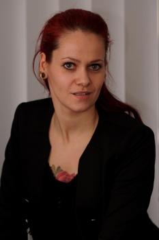 Annika Lambrecht-Maxam